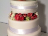 wedding cake with fresh flowers montreal