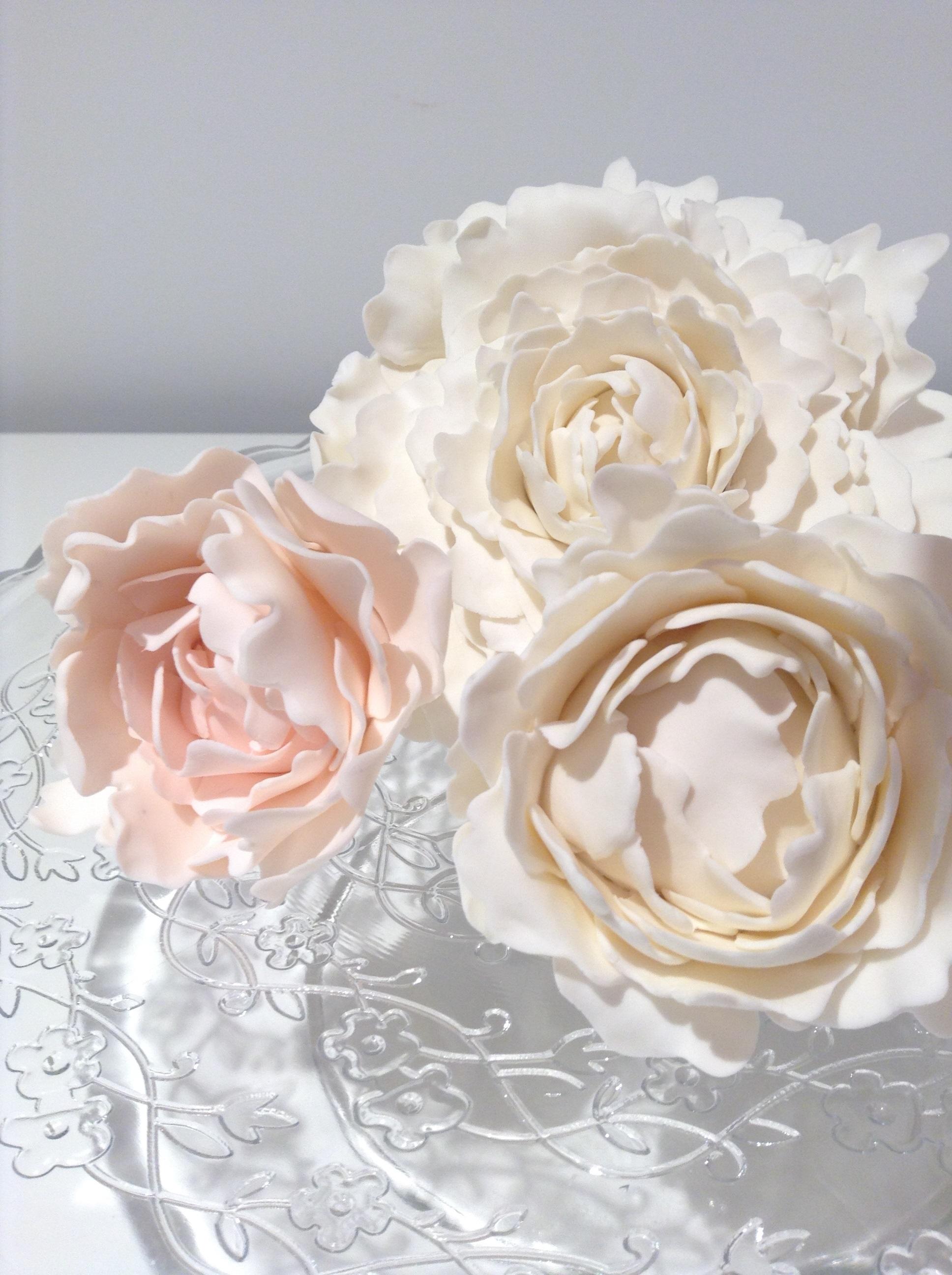peony flowers made od fondant