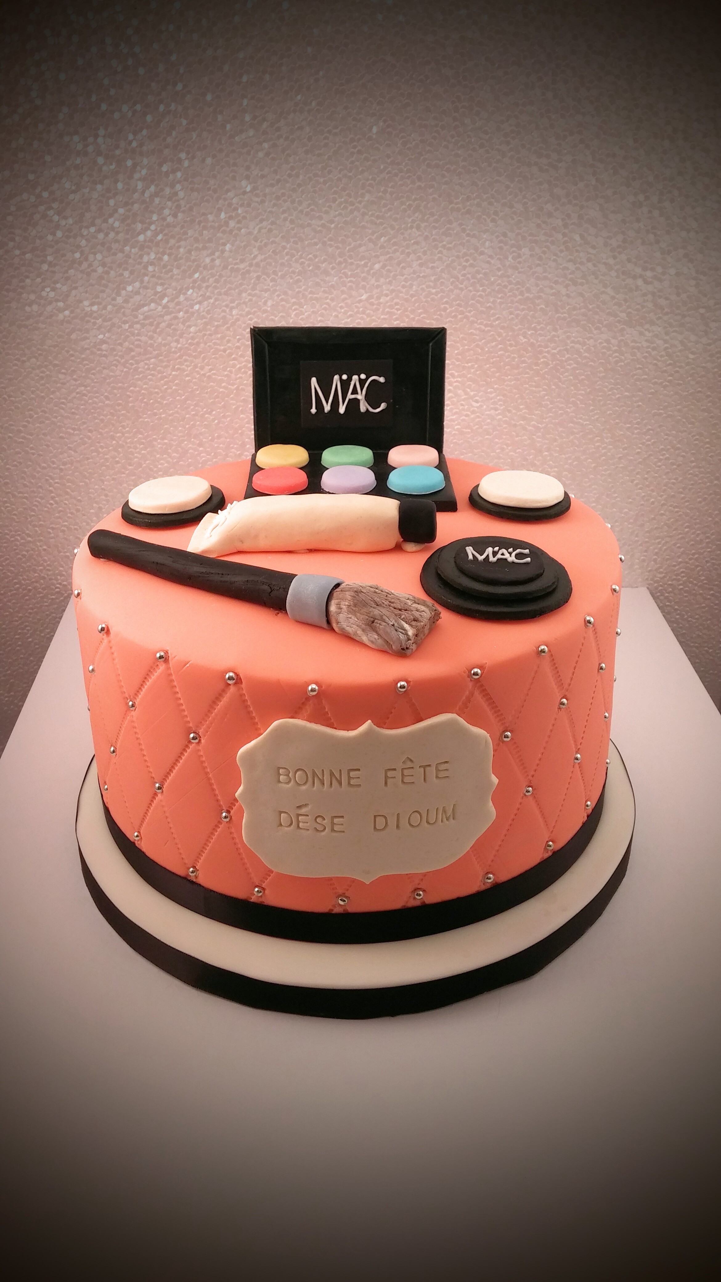 Make-up/ Fashion Cake