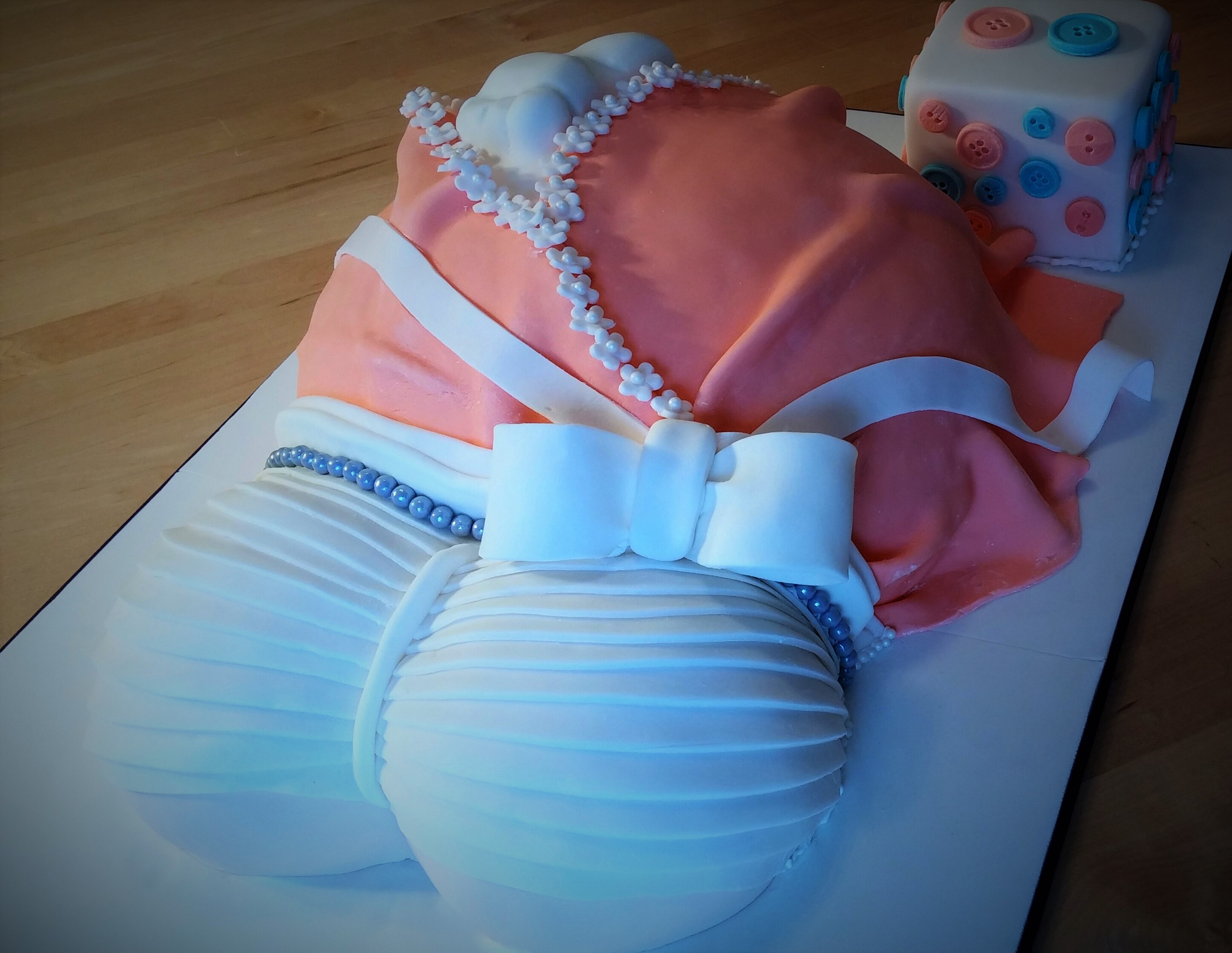 Baby Shower Cakes Montreal ~ Pregnant belly cake montreal g teau de ville