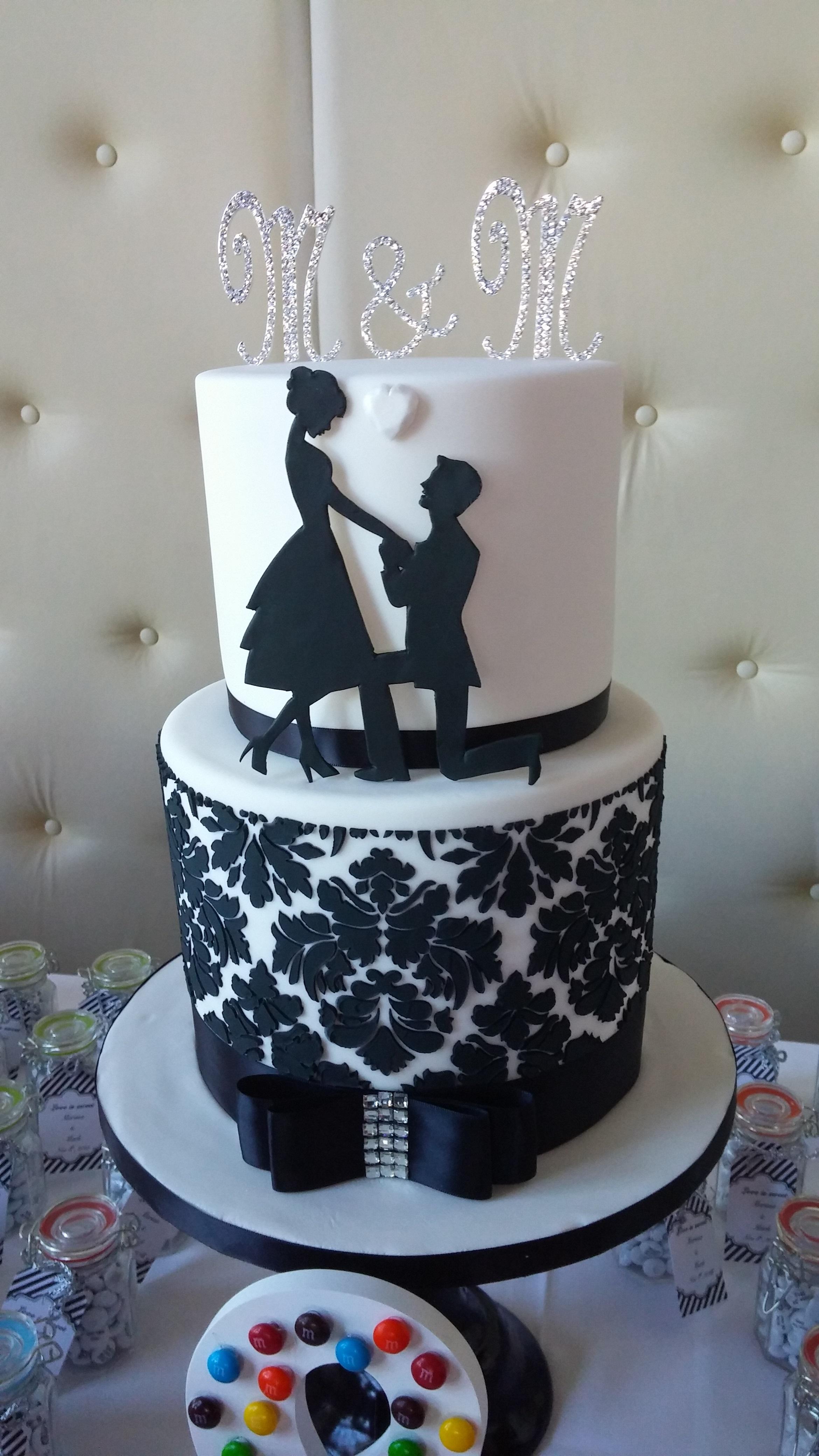 demask engagement cake