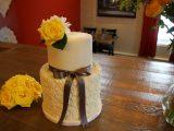 daisy lace cake