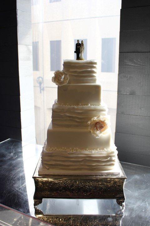 Ruffle wedding cake, Plaza Antique, My City Cake