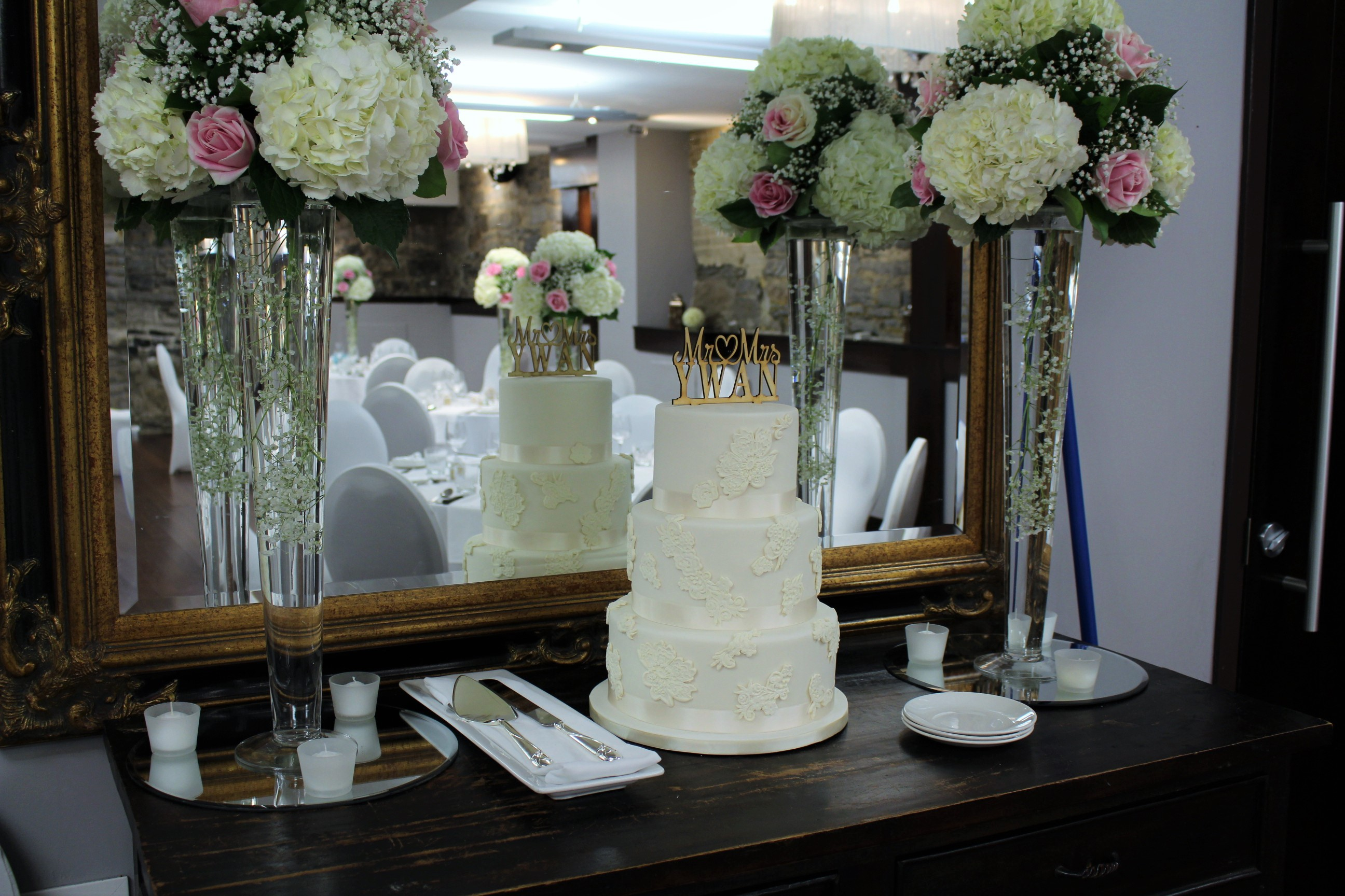 wedding-cake-with-lace-applique-2