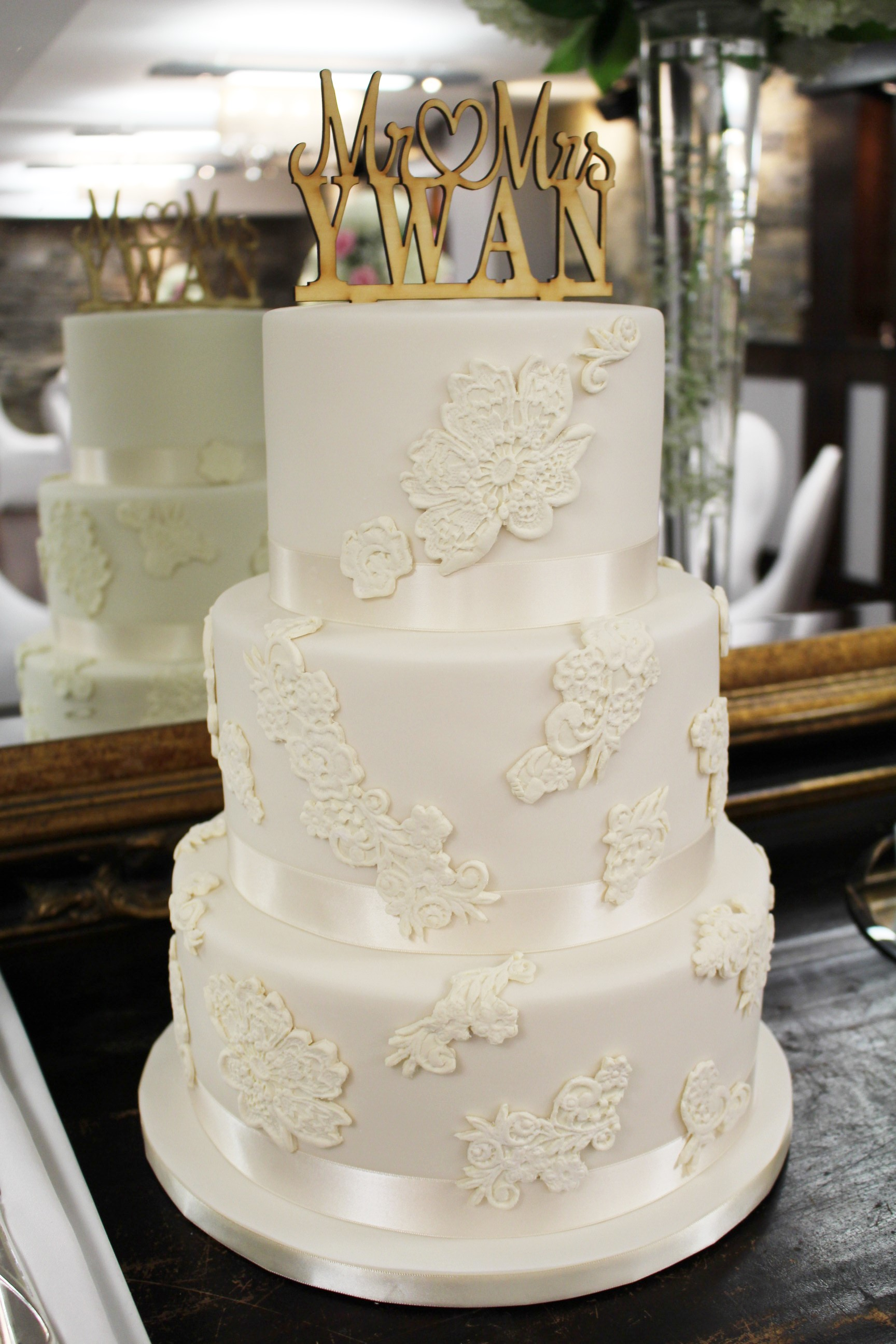 wedding-cake-with-lace-applique-3