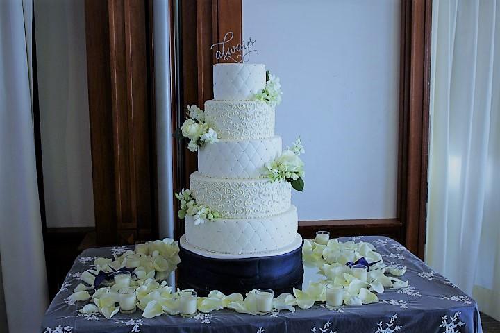 5 tier diamond pattern wedding cake