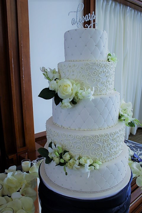 navy and white wedding cakes montreal wedding cake my city cake send your cake ideas to 17744